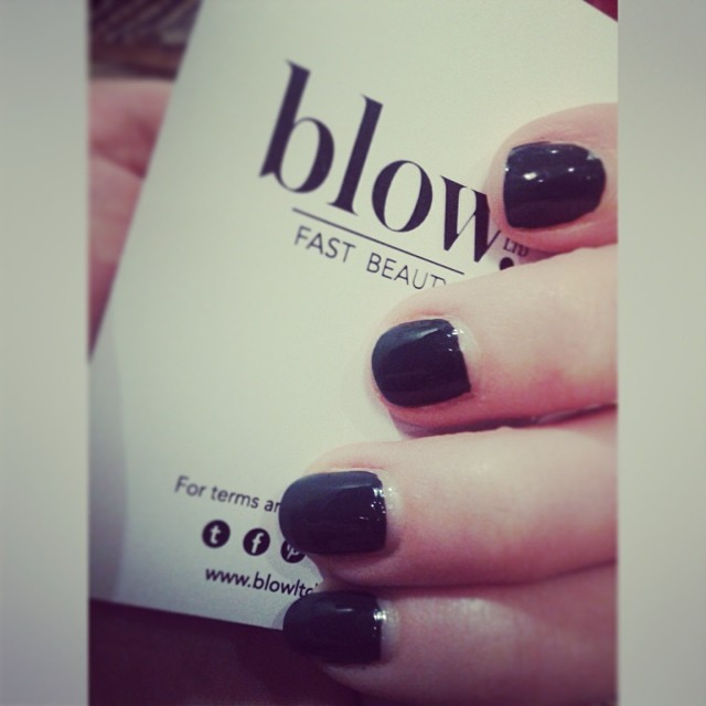 Blow LTD nail job Essie