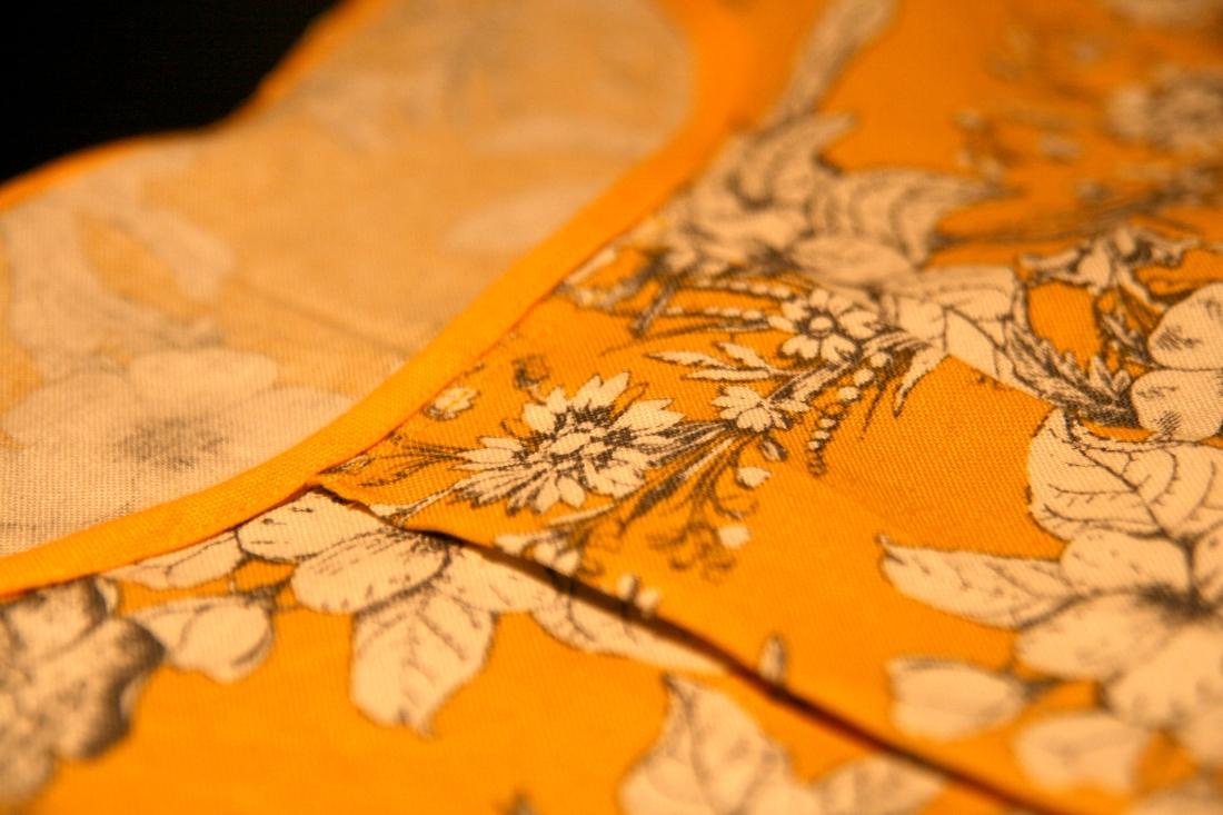 Bias binding and front pleat   Photo: Laura Peta